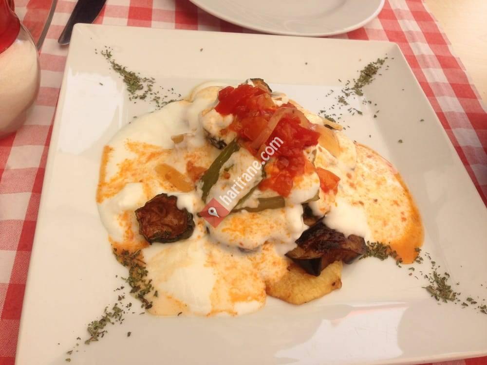 Cabare Cafe Bar & Restaurant