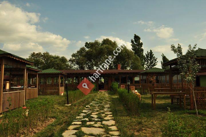 Doğal Bahçe Köy Kahvaltısı ve Yöresel Lezzetler