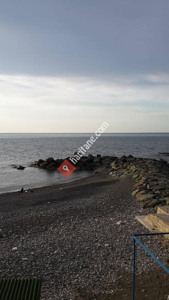 Kemer Köyü Aile Plajı