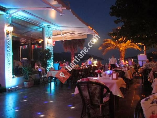 Reis Beach Hotel-Cafe Bar & Restaurant