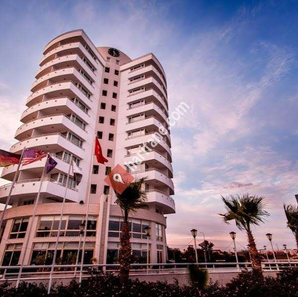 The Corner Park Hotel